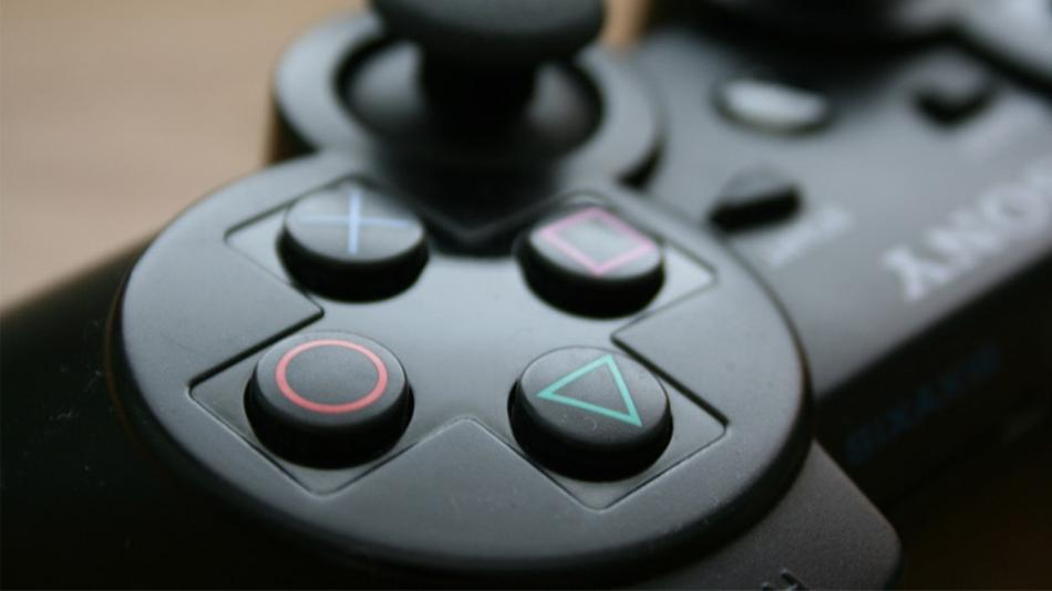 playstation-controller header