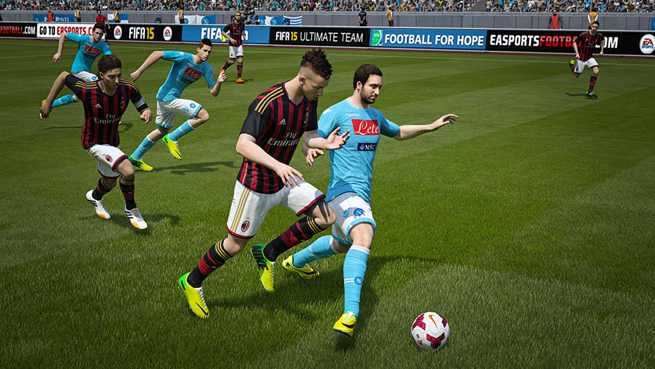 Fifa 15 _screenhi_930x524_MantoManBattles_Napoli_vs_ACMilan
