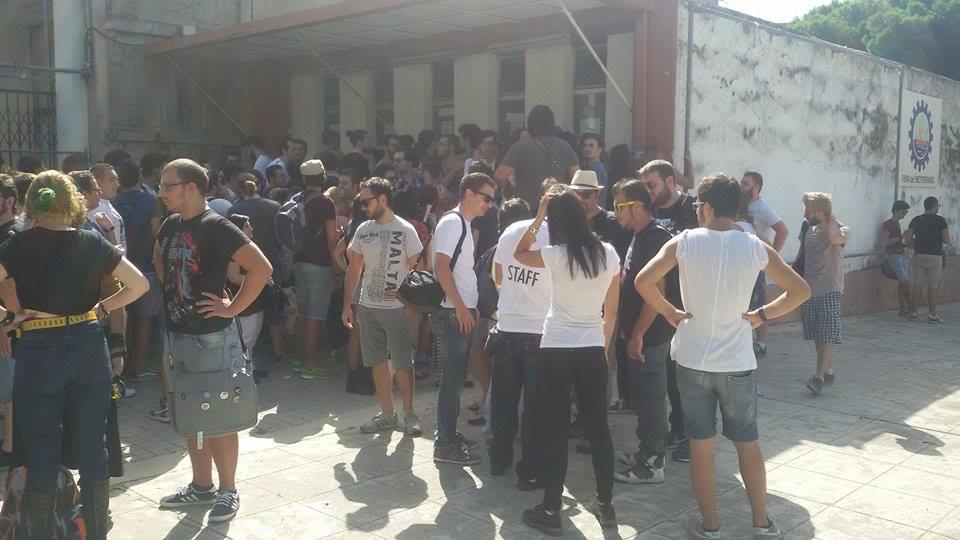 Code questa mattina ai botteghini della Fiera del Mediterraneo per il ritardo dell'inizio del Palermo Comicon