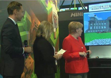 Angela Merkel gioca a Minecraft