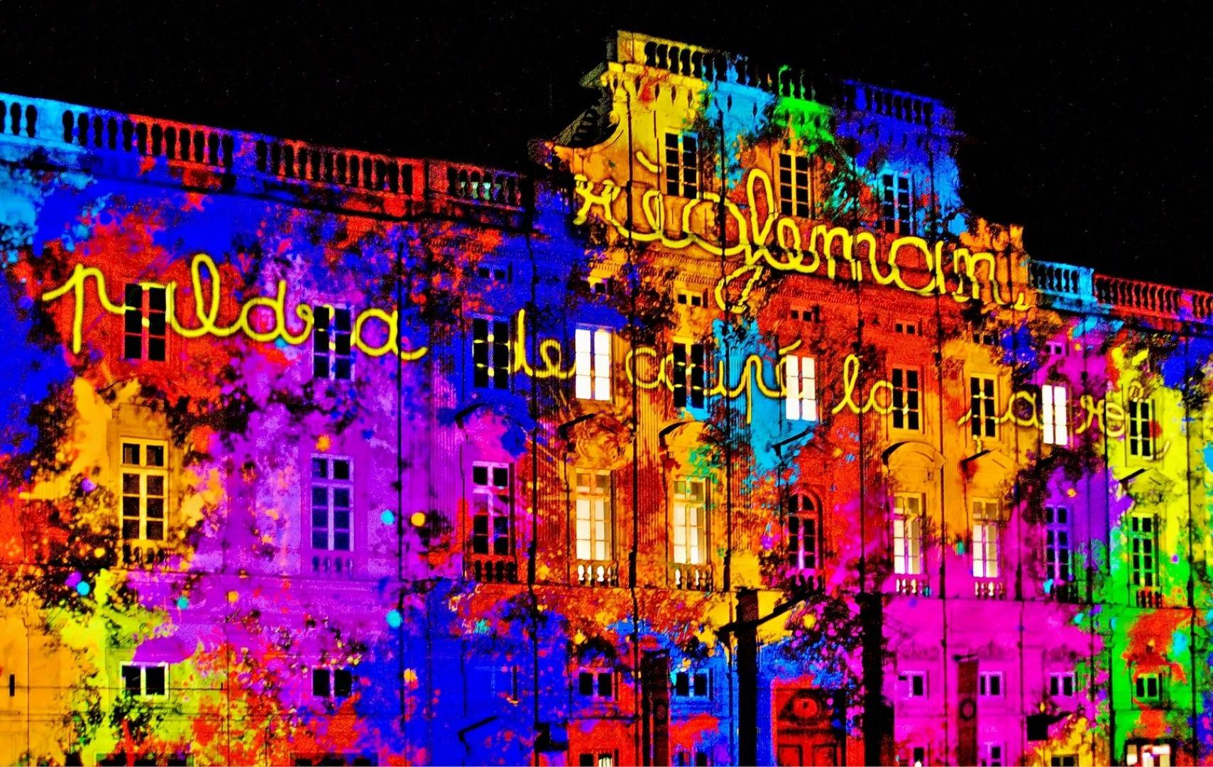Lyon-Festival-Of-Light-dramatic-lighting